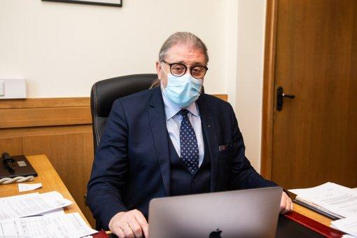 Panevėžio miesto meras dirbs nuotoliniu būdu: bendravo su COVID-19 susirgusiu žmogumi