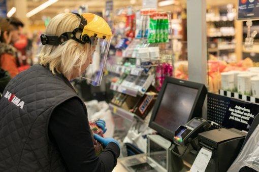 """Penkiems skirtingų """"Maximos"""" parduotuvių darbuotojams nustatytas koronavirusas"""