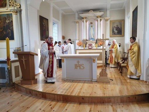 Atnaujinta Lekėčių bažnyčia