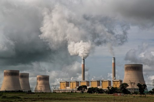 Praėjusiais metais oro tarša pražudė beveik pusę milijono naujagimių