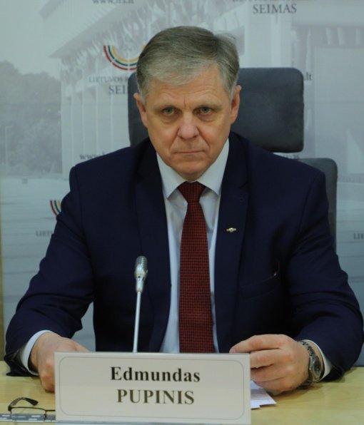 Pasiklydę balsai nulėmė konservatoriaus E. Pupinio pergalę: 5 balsų persvara nugalėjo G. Palucką