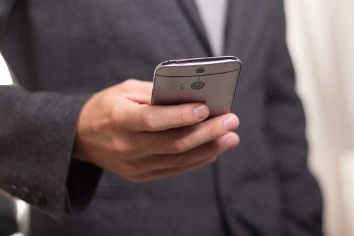 Nustebsite, kiek ilgai ant jūsų mobiliųjų išgyvena koronavirusas