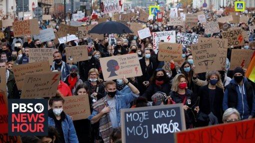 Lenkijoje vykstant protestams prezidentas keičia nuomonę abortų klausimu