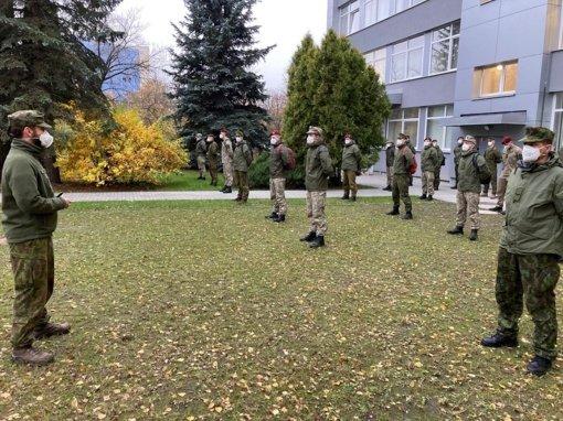 Nacionaliniam visuomenės sveikatos centrui padės 50 karių