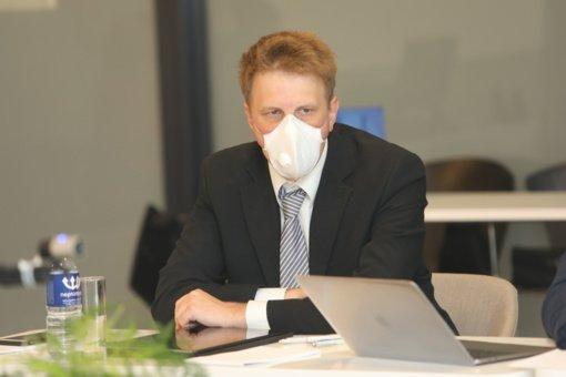 LSMU profesorius apie didėjantį COVID-19 susirgimų skaičių: situacija šalyje yra sunkiai valdoma