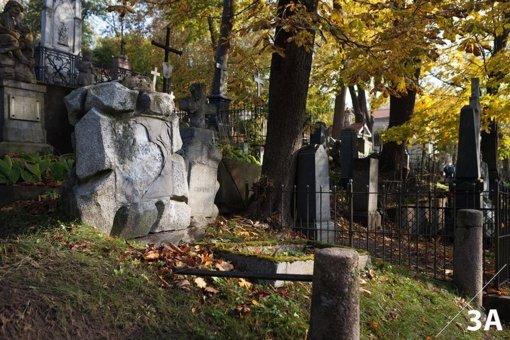 Kviečia tapti Vilniaus Bernardinų ir Rasų kapinių antkapių tvarkymo mecenatais