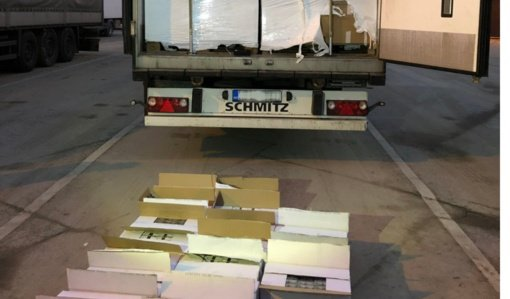 Pasvalio apylinkėse sulaikytas 2 milijonų vertės cigarečių krovinys