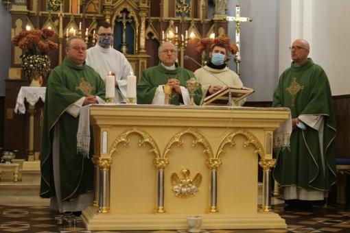 Birštono bažnyčioje pašventintas naujas Altorius