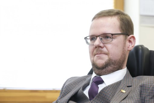 Dėl rinkėjų teisės balsuoti faktinėje gyvenamojoje vietoje parlamentaras kreipėsi į VRK