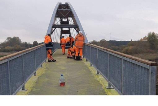 """Pradėtas remontuoti """"Vaivorykštės"""" tiltas"""