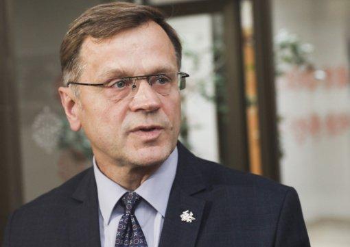 Naujos kadencijos Seimo nariai gavo kvietimą išsitirti dėl koronaviruso: B. Matelis atsisako