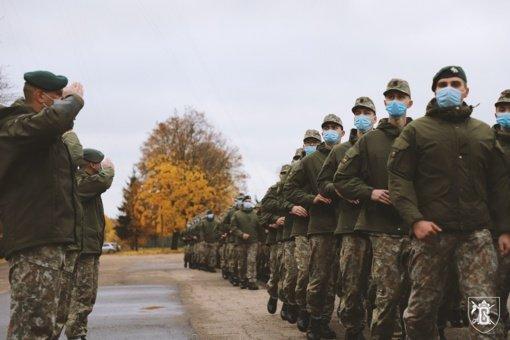 Birutės ulonų batalione prisiekė jaunieji kariai
