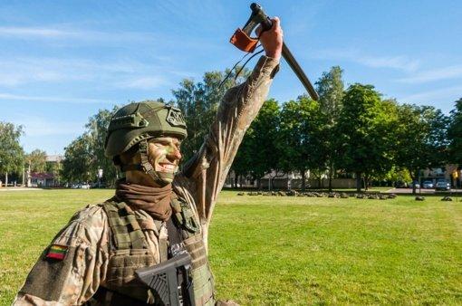Ltn. L. Gorodecko sugrįžimas į Inžinerijos batalioną: kariuomenė įtraukė, sužavėjo ir neketina paleisti