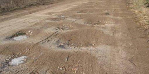 Vietinės reikšmės kelius prižiūrės šiauliečių bendrovė