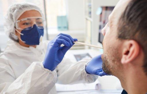 Skuodo mobiliajame punkte nustatyta 18 naujų koronaviruso atvejų