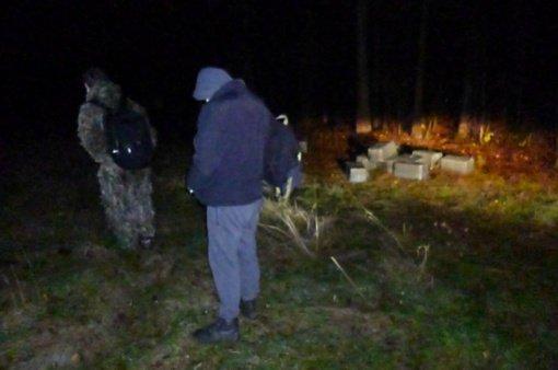 Prie sienos su Baltarusija sulaikyti du kontrabandininkai ir 6 000 pakelių rūkalų