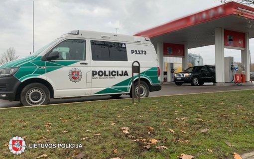 Panevėžyje sulaikytas vyras, kuris įtariamas vagystėmis iš degalinių