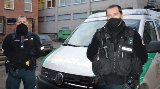 Gelbėjimo operacijoje dalyvavę policijos pareigūnai: kovą dėl žmogaus gyvybės laimėti padėjo tikėjimas sėkme