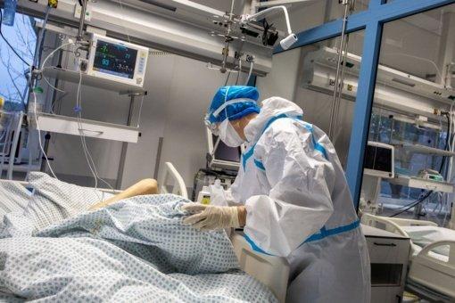 Nuo koronaviruso mirė 50–99 metų žmonės