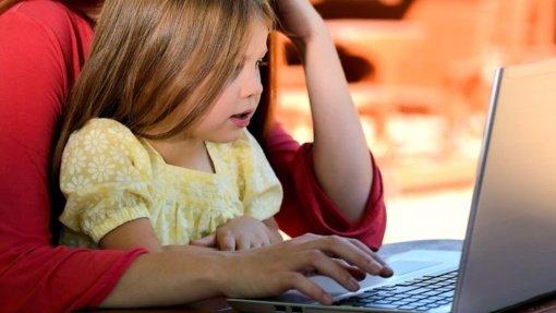 Vaikams nuėmus apsaugines kaukes pamiršta pasirūpinti pedagogais