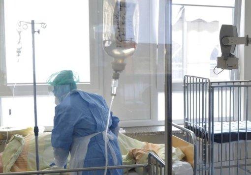 Ligoninėse gydomi 1734 COVID-19 pacientai, 132 iš jų – reanimacijoje