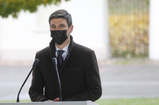 Prezidento patarėjas: dėl pandemijos esama atsargaus optimizmo, ribojimai veikia