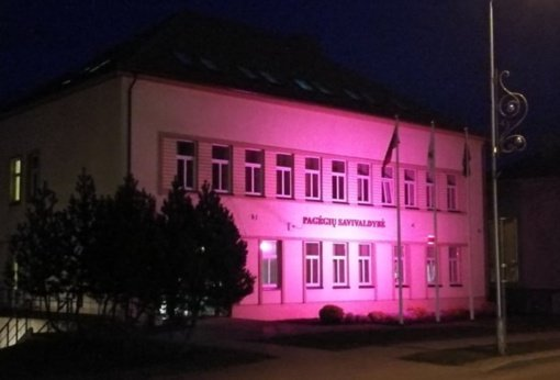 Pagėgiuose – nušvito savivaldybės pastatas