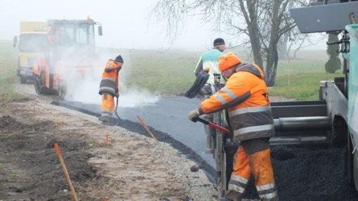 Palentinio kaimas po 25 metų sulaukė asfalto