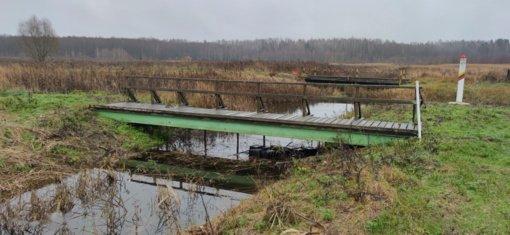 Adamavo kaime pasieniečiai po tiltu aptiko kontrabandos