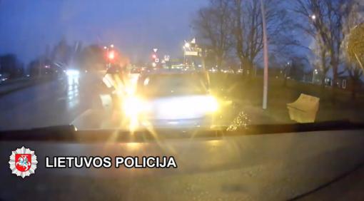 Klaipėdos rajono pareigūnai sulaikė vagystėmis iš kioskų įtariamą asmenį