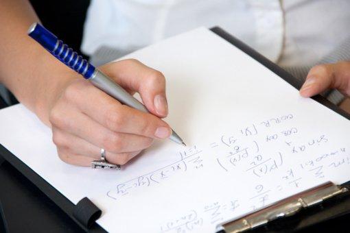 Ministerija siūlo daugiau matematikos, lietuvių kalbos pamokų, mažinti egzaminų reikšmę
