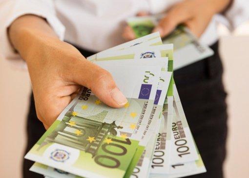 Šilutės rajone pašto dėžutėje vyras teigia radęs padirbtų eurų