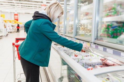 Šiaulių miesto valdžia uždaryti prekybos centrų nesiryžo: nuo savaitgalio ribos pirkėjų srautus, neliks poilsio zonų
