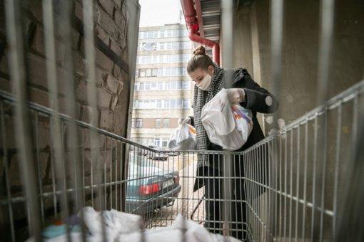 Karantino metu Vilnius pristatys maistą silpnesniems senjorams į namus