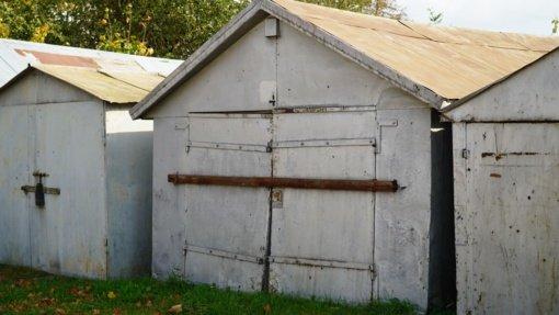 Savivaldybės tolerancija slopsta: metaliniai garažai turės išnykti