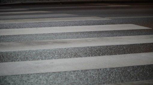 Marijampolėje automobilis kliudė per pėsčiųjų perėją ėjusį vyrą