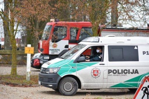 Šalia Miežiškių kapinių rastas sprogmuo: išminuotojai jį išsivežė sunaikinti