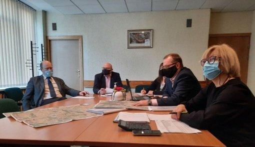 Pasitarime su ūkininkais aptartas Pakruojo rajono kelių tvarkymas