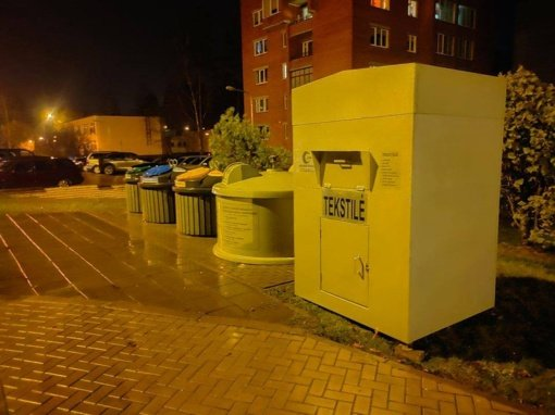 Visagine statomi tekstilės atliekų surinkimo konteineriai