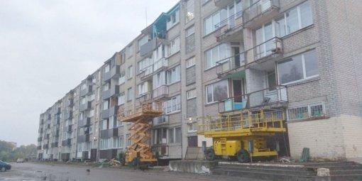 Atnaujino avarinės būklės balkonus: namas keičiasi akyse