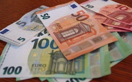 Euro zonos ekonomikai gresia perkaitimas, sako ekspertas