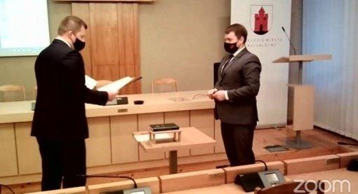 Prisiekė du nauji Panevėžio miesto tarybos nariai: L. Jagminas ir P. Urbšys