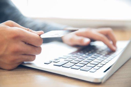 Praėjusi para Klaipėdos apskrityje: apgavikai internete išviliojo iš vyro pinigus