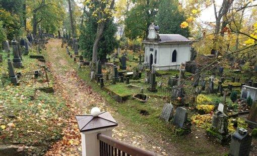 Vilniaus Bernardinų ir Rasų kapinės vis dar laukia mecenatų