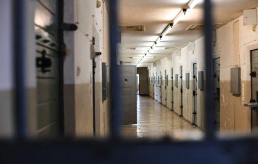 Sergančiųjų COVID-19 daugėja įkalinimo įstaigose