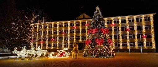 Širvintose įžiebta kalėdinė eglutė