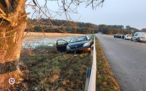 Naudžiūnuose nukentėjo automobilio nesuvaldžiusi vairuotoja