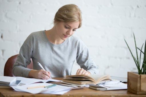 Individualiai dirbantis vertėjas ar vertimų įmonė – kas geriau?