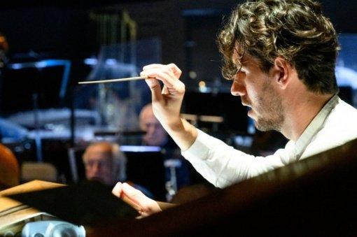 Koronavirusu susirgo dirigentas R. Šumila