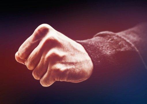 Santykių drama: pavydo apimtas šiaulietis sumušė sugyventinės bendradarbį